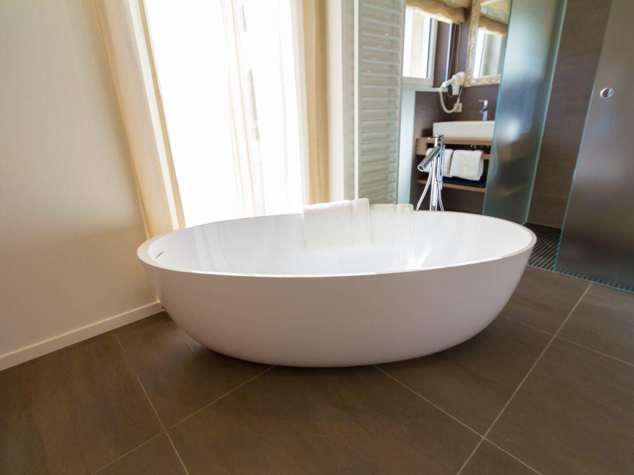ferienwohnung sissi meran firma immops gmbh firma. Black Bedroom Furniture Sets. Home Design Ideas