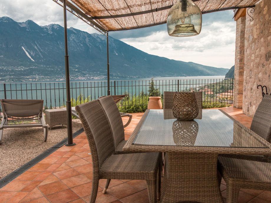ferienwohnung in der villa limone italien lombardei gardasee herr kim holdt dupond. Black Bedroom Furniture Sets. Home Design Ideas