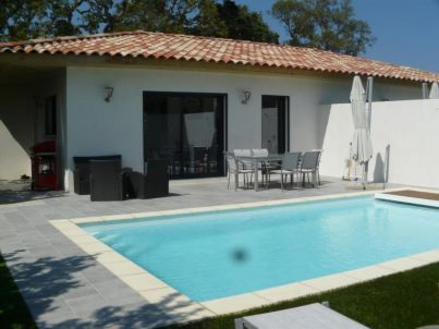 Corsevilla : Heated pool near Saint Cyprien beach