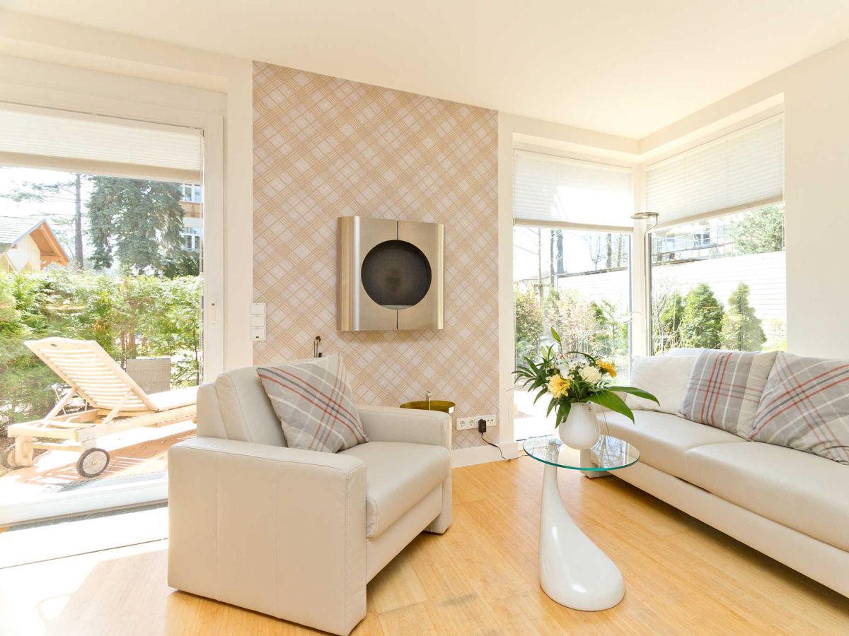 ferienwohnung 10 die moderne im haus auf dem h gel seebad heringsdorf firma usedomtravel gbrm. Black Bedroom Furniture Sets. Home Design Ideas