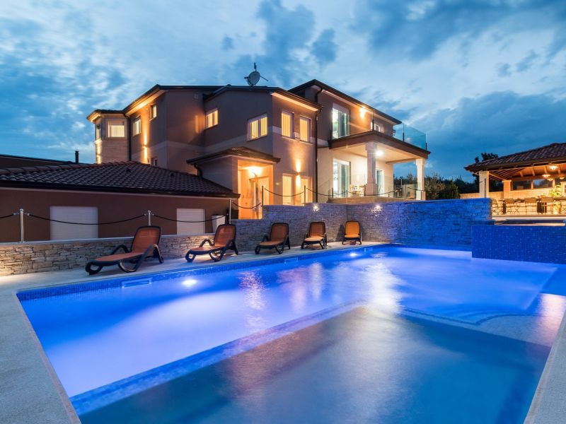 Villa 687
