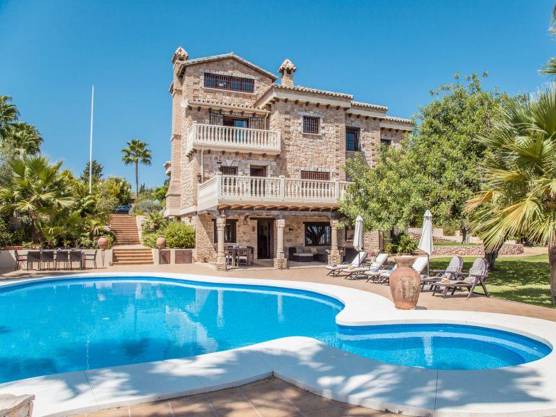 Villa Dos Reyes