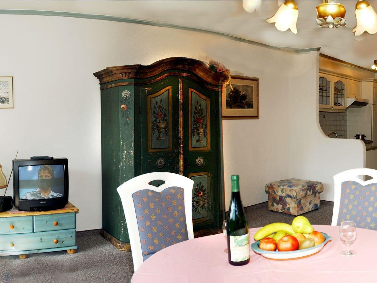 Ferienwohnung kerber type i tirol firma for Wohnzimmer esstisch