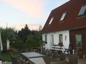 Ferienhaus Gersdorf XL 3 Schlafräume für 7 Personen Grill Garten Trampolin