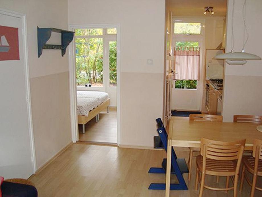 Blick zur Küche und Schlafzimmer