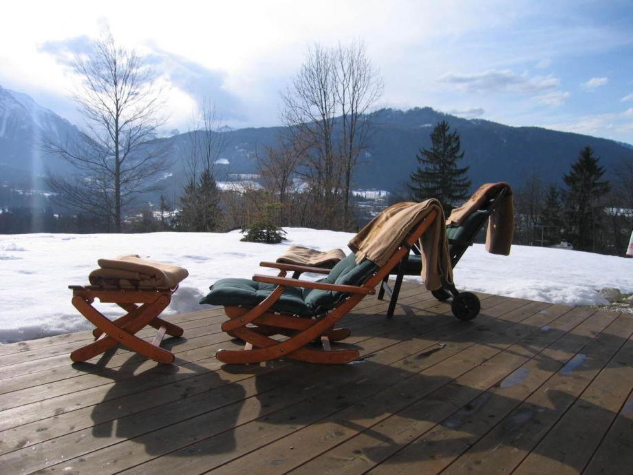 Auf der Terrasse mit herrlichem Bergblick