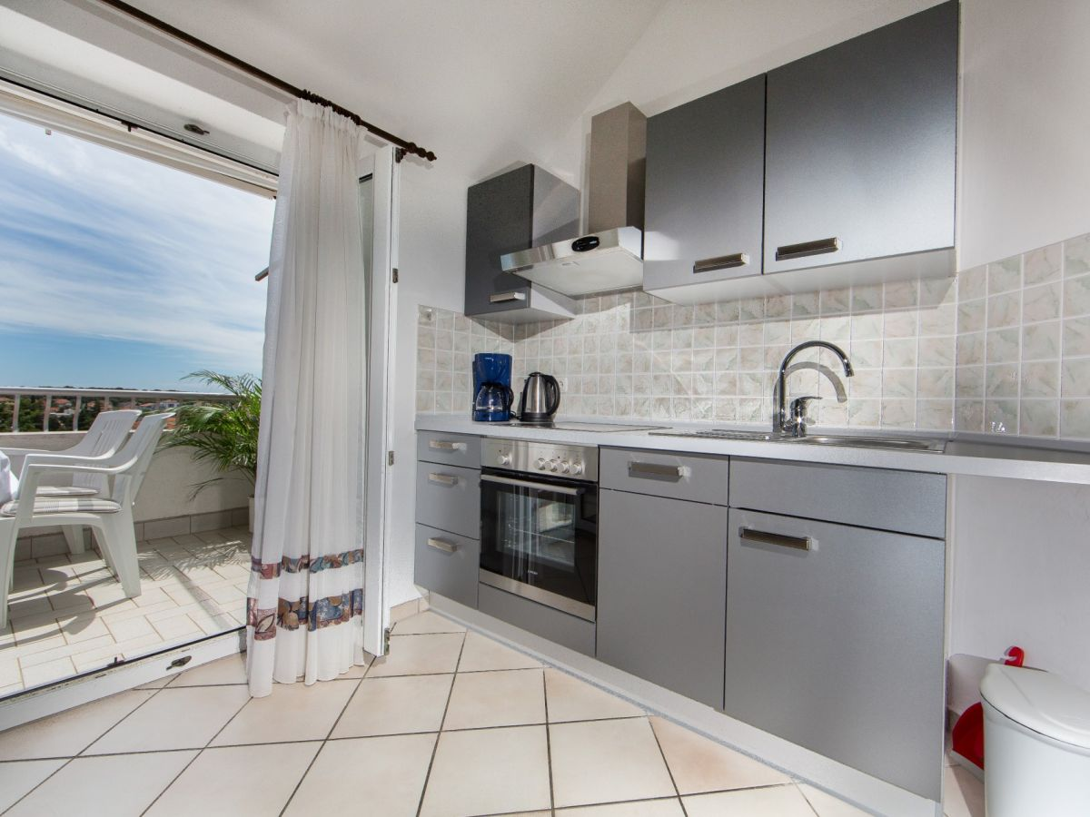 ferienwohnung villa sanmichel a 09 pje ana uvala istrien frau sandra radic. Black Bedroom Furniture Sets. Home Design Ideas