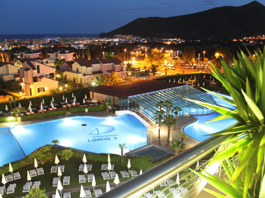 Loano 2 Village - Pools by night