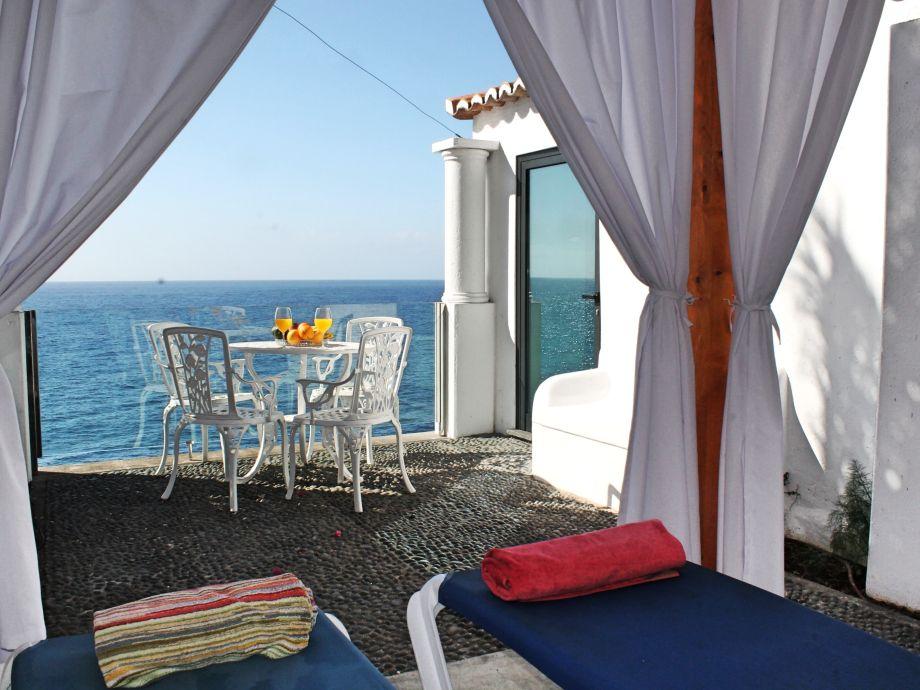 landhaus cottage do mar madeira arco da calheta firma. Black Bedroom Furniture Sets. Home Design Ideas