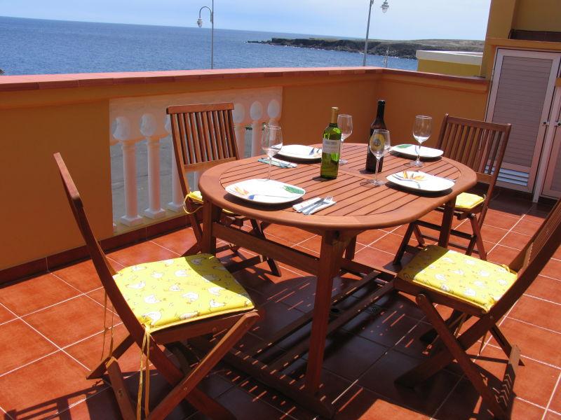 Ferienwohnung 4 Schlafzimmerapartment direkt am Meer gelegen
