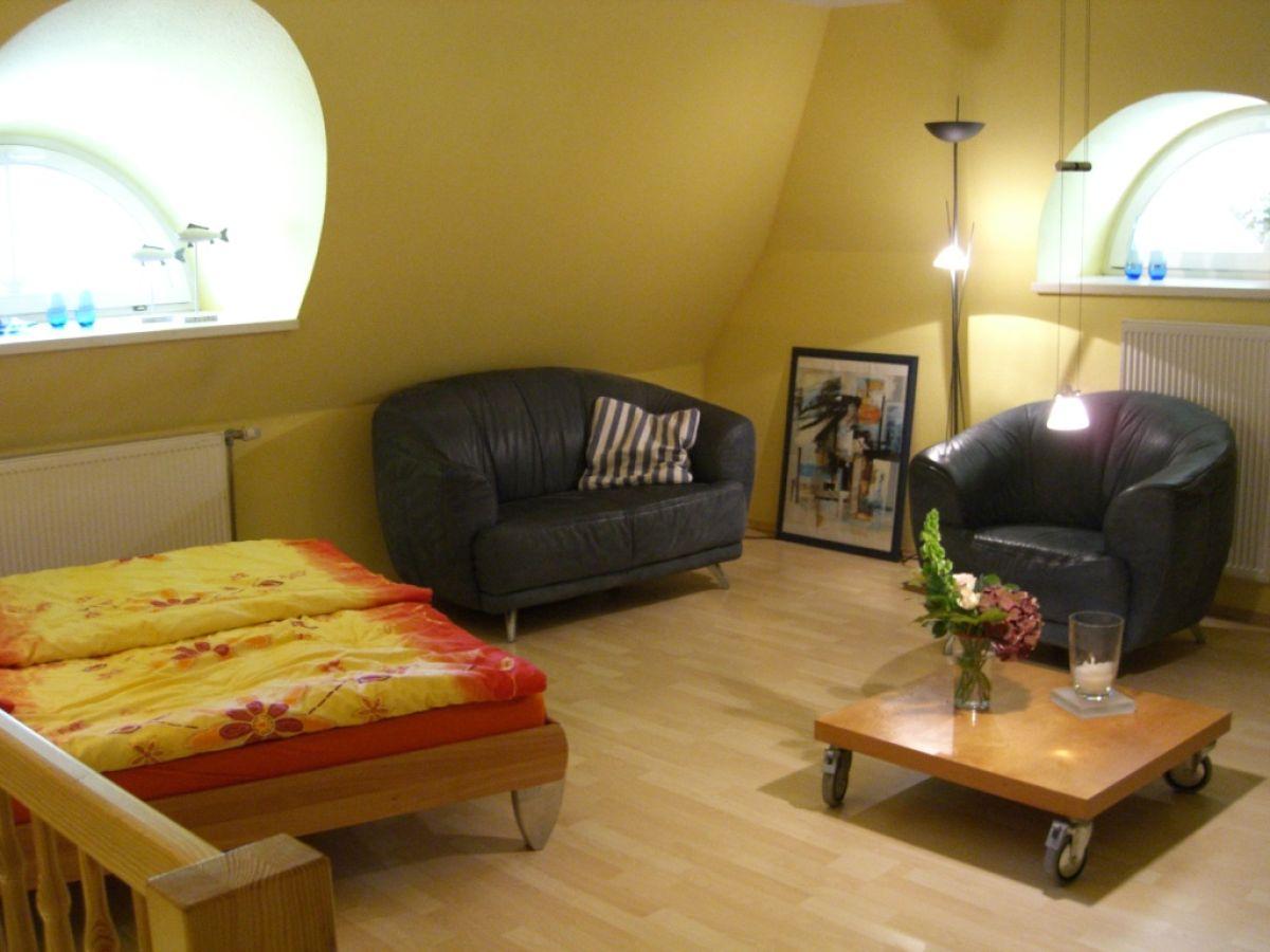 ferienwohnung achtern diek 12d schwalbennest zingst frau petra rode. Black Bedroom Furniture Sets. Home Design Ideas