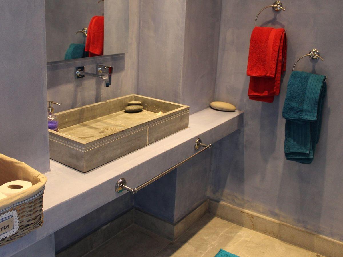 Bathrooms En Suite Attached: Villa 2Brothers, Kerames, Mrs. Kay Winter