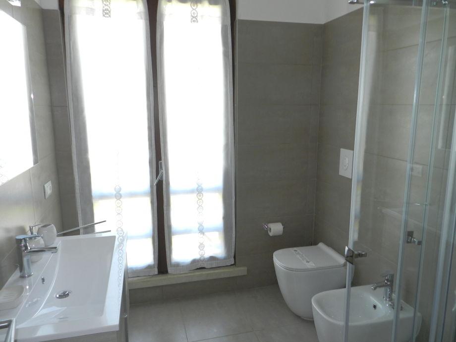 ferienhaus villa valesana gardasee und verona firma regarda travel di fontana romina frau. Black Bedroom Furniture Sets. Home Design Ideas