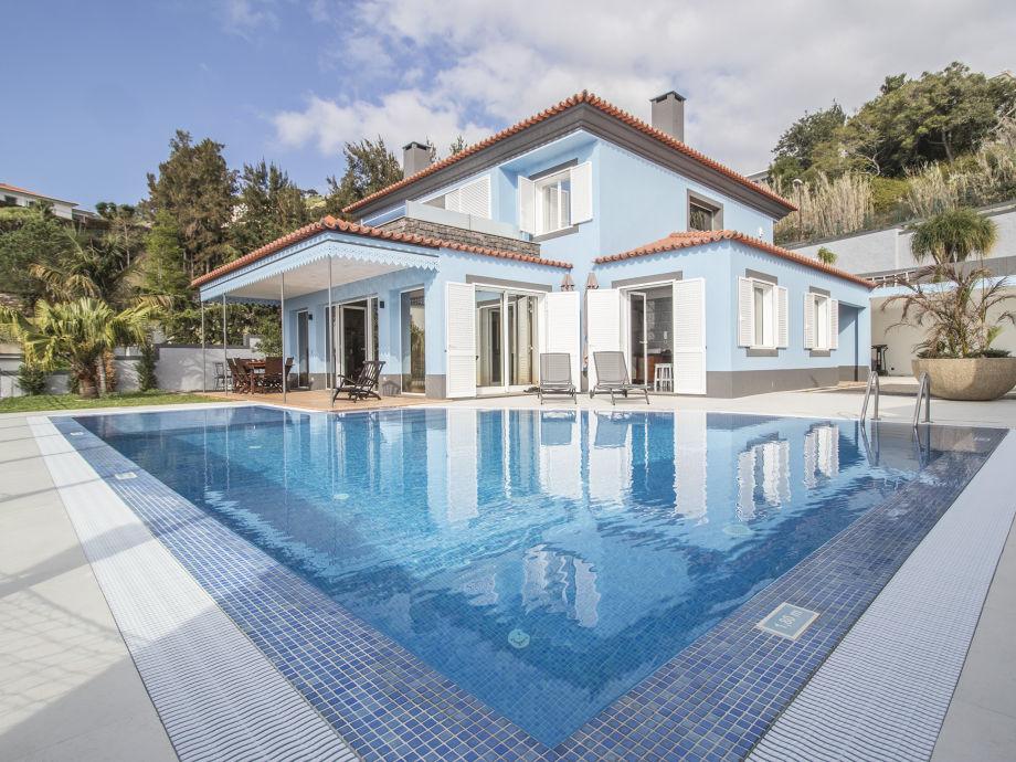 Villa Neves mit Privatpool
