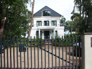 Villa Strandallee 153