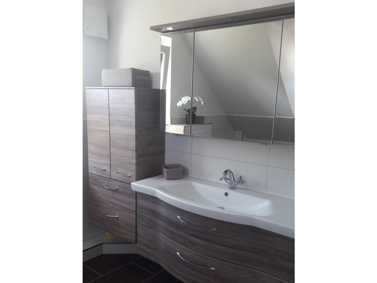 ferienhaus solamar r gen lotsenhaus breege juliusruh firma colin carl ferienvermietung frau. Black Bedroom Furniture Sets. Home Design Ideas
