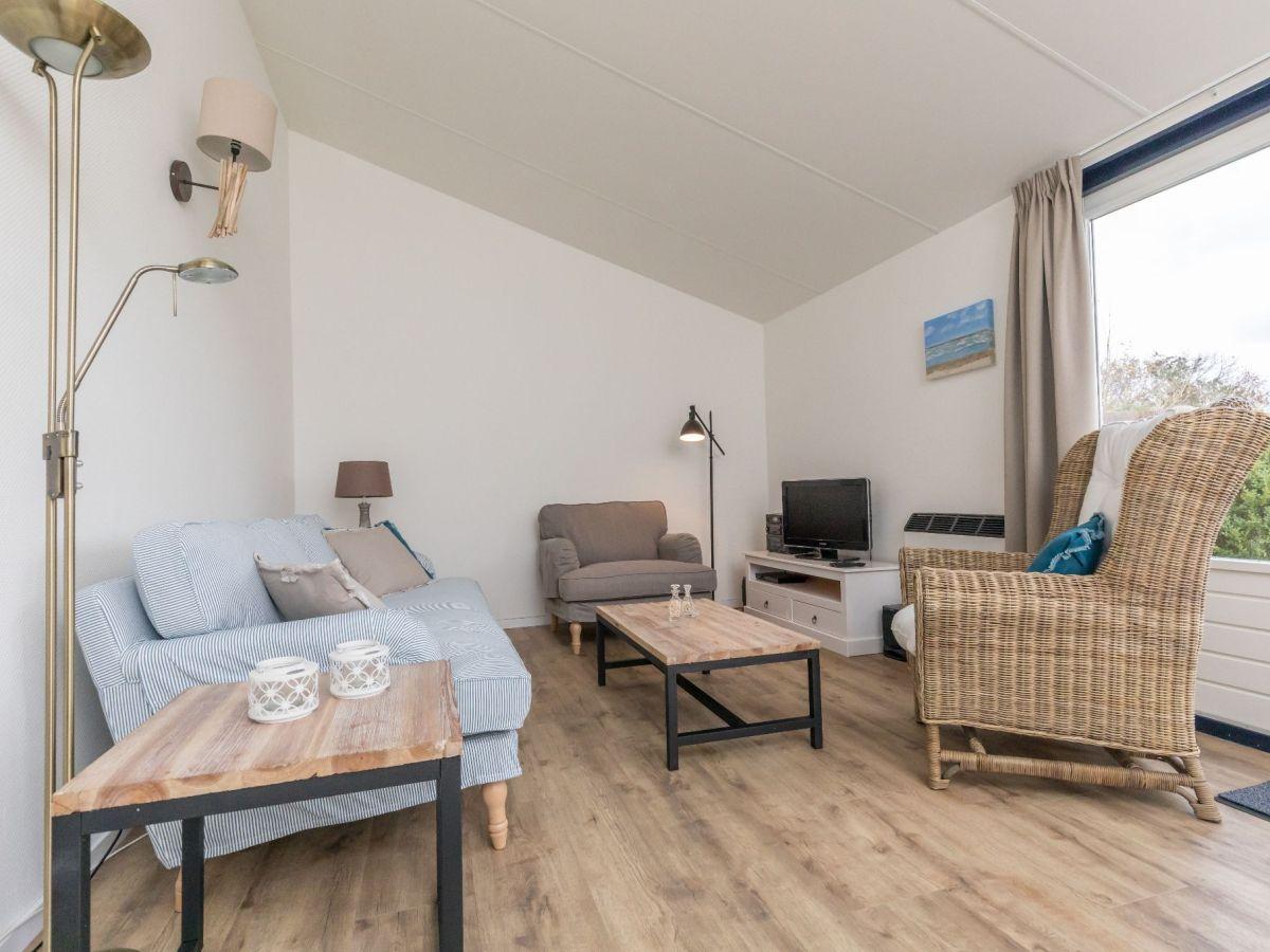 Ferienhaus beachpark 23 renesse firma sorglos urlaub in - Eingerichtete wohnzimmer ...