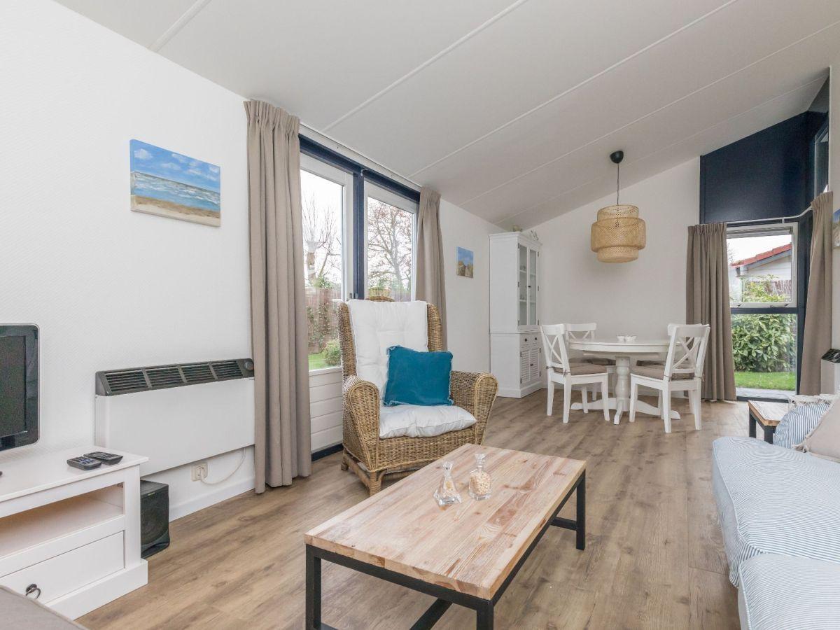 Ferienhaus beachpark 23 zeeland renesse firma sorglos for Eingerichtete wohnzimmer