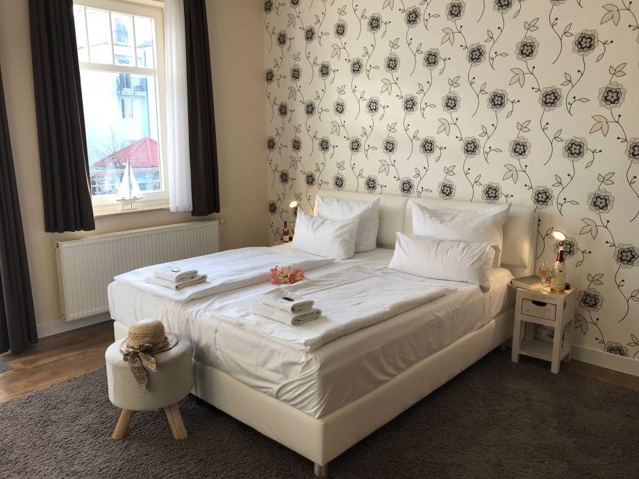 ferienwohnung im appartementhaus monika ostsee k hlungsborn ost firma k hlungsborner. Black Bedroom Furniture Sets. Home Design Ideas