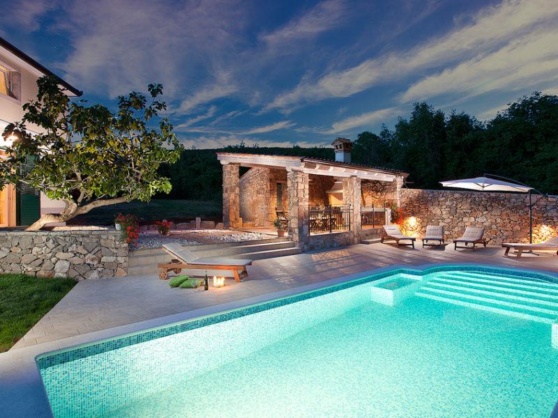 Villa Bea with pool, volleyball beach 3.5 km