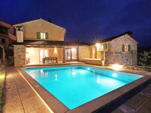 Villa Benvenuti with heated pool