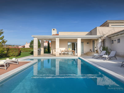 Luxuria mit privatem Pool, Strand 100m