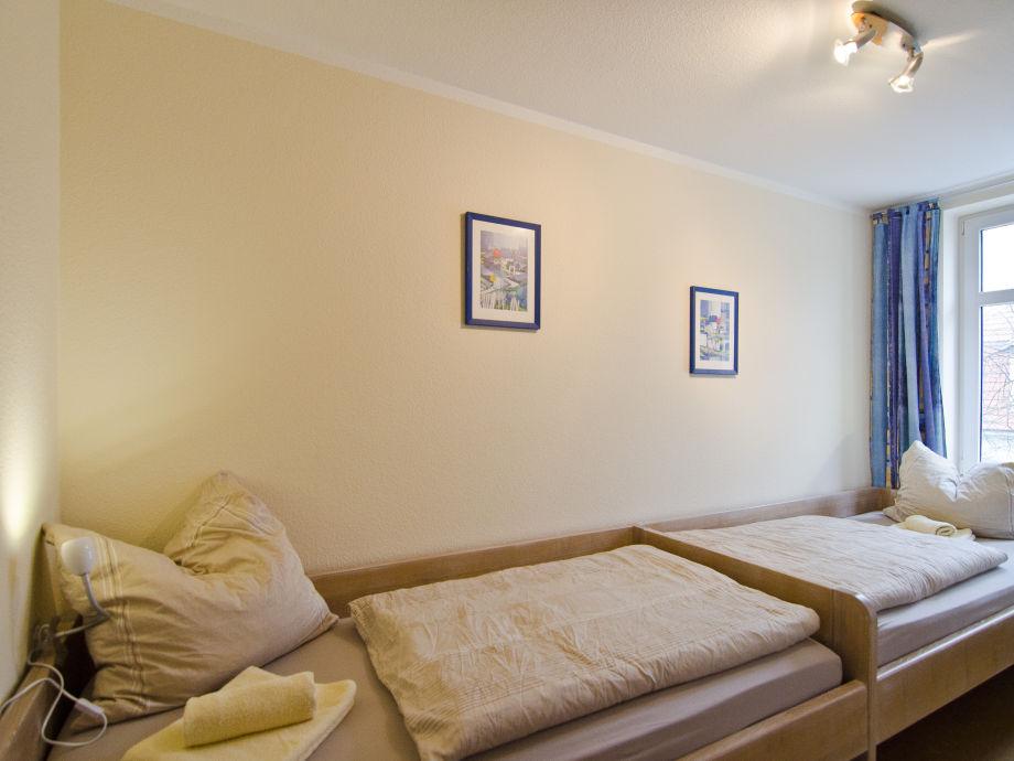 Ferienwohnung warnem nde 2 schlafzimmer wohndesign for Warnemunde ferienhaus