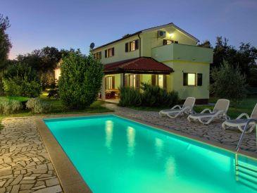 Villa Fuma with private pool, beach 1.8km