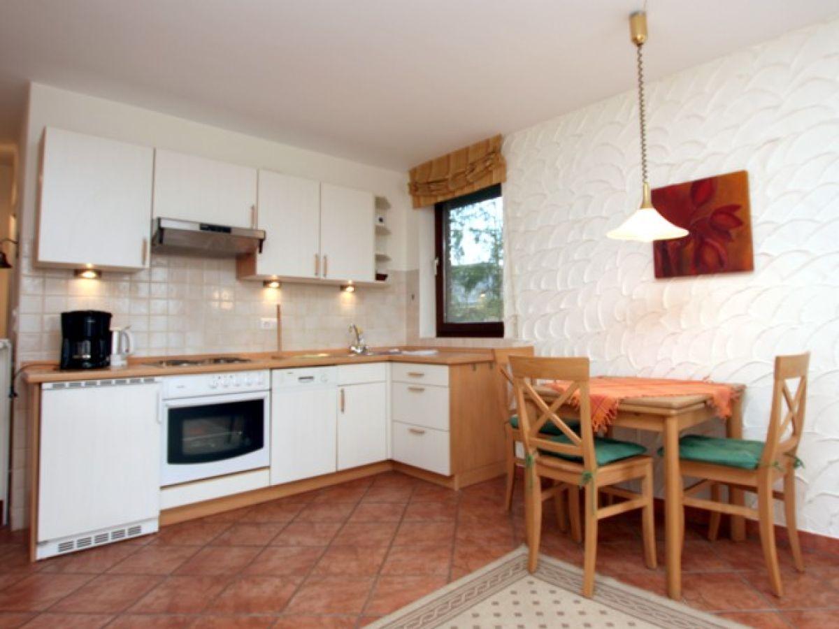 badestra e 80 ferienwohnung 1 f hr firma fr drich ferienwohnungen und immobilien herr. Black Bedroom Furniture Sets. Home Design Ideas
