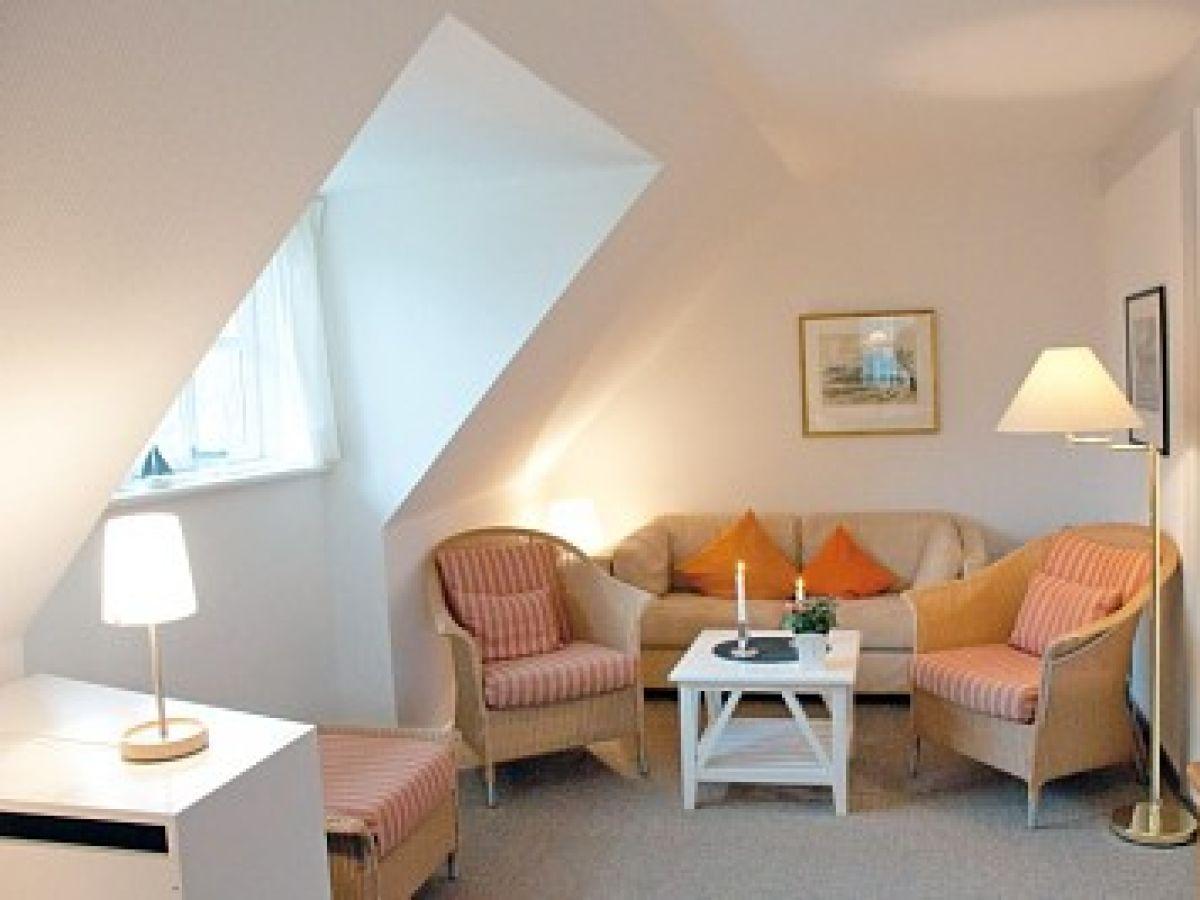 ginsterweg 2 a ferienwohnung 2 sandburg f hr firma fr drich ferienwohnungen und immobilien. Black Bedroom Furniture Sets. Home Design Ideas