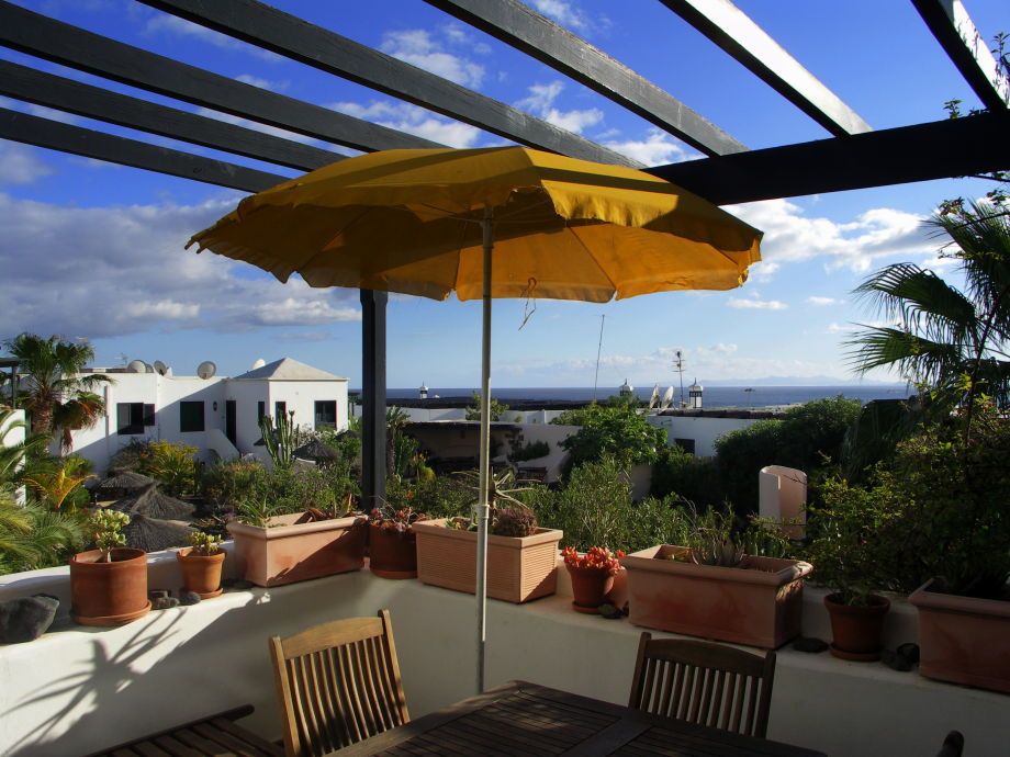 Gemütlicher Balkon mit herrlichem Meerblick