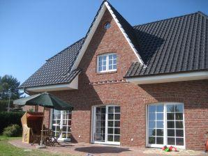 Ferienwohnung Landhaus im Erdgeschoss mit Kamin