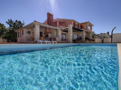 Lavanda mit privatem pool, Strand 3km