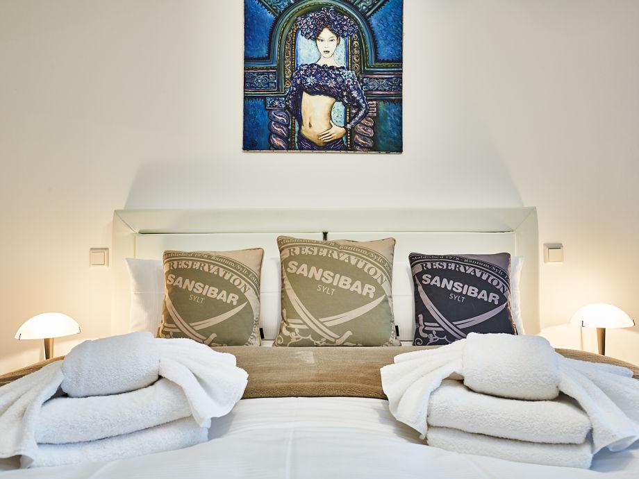 stylische 4 zi ferienwohnung modern statement sylt. Black Bedroom Furniture Sets. Home Design Ideas