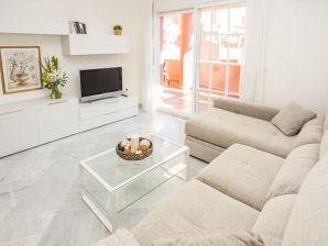 Ferienwohnung Luxuriöses apartment in first line beach complex