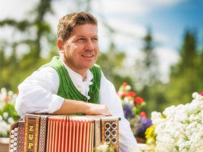 Ihr Gastgeber Alois Mair