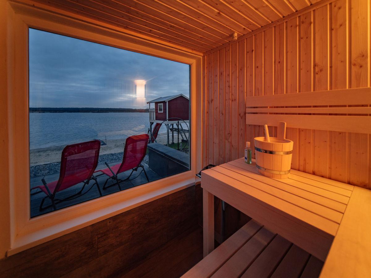 ferienhaus chalet 100 leipziger neuseenland l bnitz sachsen firma hausbootvermietung. Black Bedroom Furniture Sets. Home Design Ideas