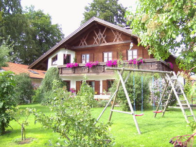 """The Frauenschuh (""""Lady's Slipper"""") holiday apartment in the Schlögel country house in Am Dünaberg."""