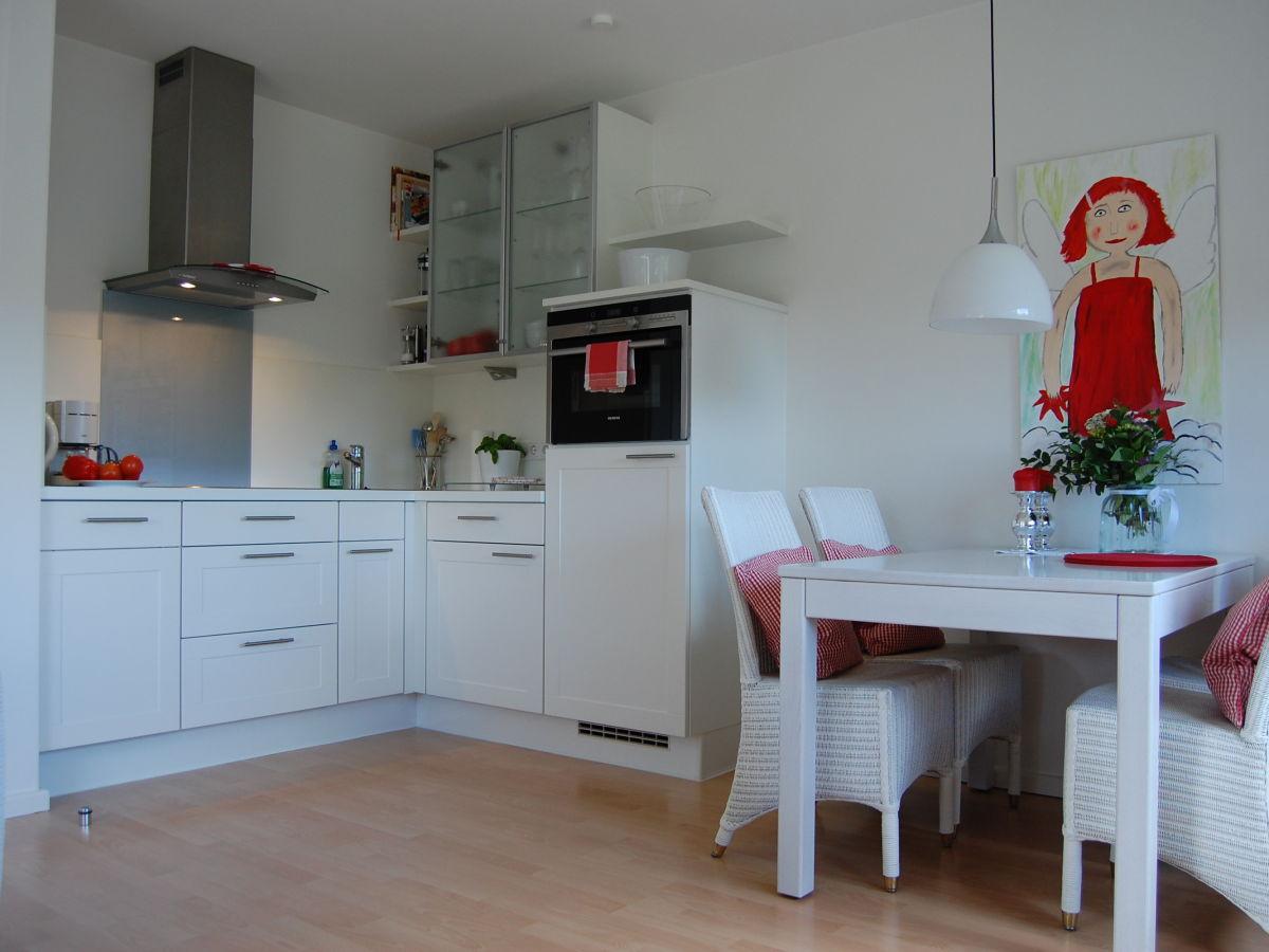 ferienwohnung sch nes wohnen am s dstrand 3 insel f hr firma sabine lorenzen immobilien. Black Bedroom Furniture Sets. Home Design Ideas