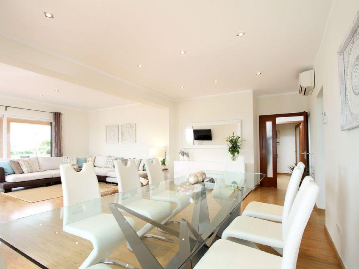 villa rey del mallorca son gual mallorca firma govilla moderne vakantiehuizen herr. Black Bedroom Furniture Sets. Home Design Ideas