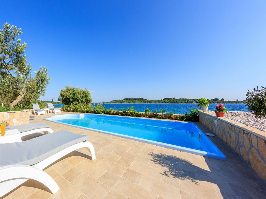 villa renata v3971 split und trogir riviera firma adriagate d o o mia topi utrobi i. Black Bedroom Furniture Sets. Home Design Ideas