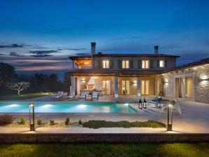 Villa Ovi