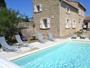 Ferienhaus 0247 Mas des Chevaliers, 8P. Saint-Ambrois, Gard