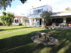 Holiday house Ferienhaus 0269 La Finca 12P. La Boissière, Gard