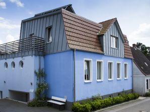 """Ferienwohnung """"Im Blauen Haus"""""""