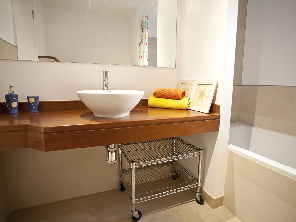 badewanne mit fu en 28 images ovale badewanne bieten elegante und ansprechende optik sch. Black Bedroom Furniture Sets. Home Design Ideas