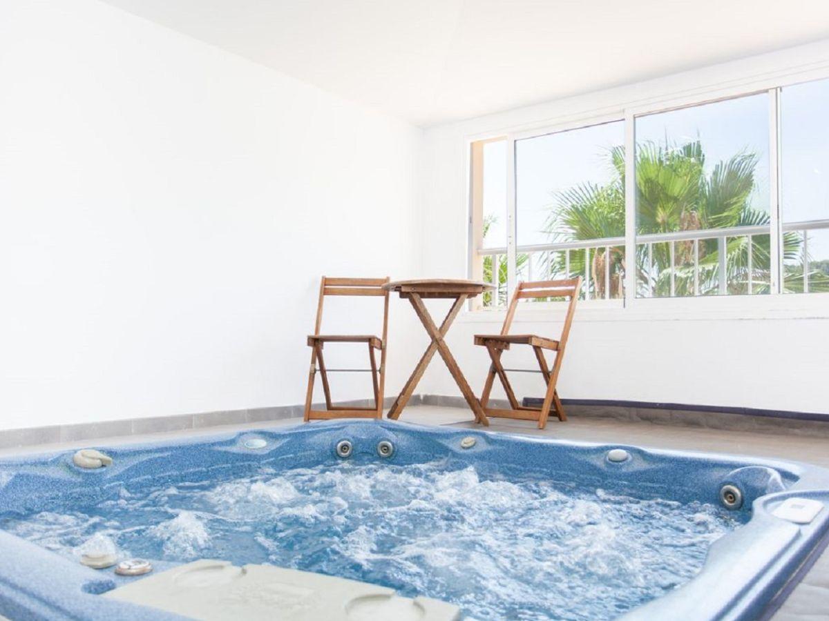 Villa el butre sa pobla mallorca firma govilla moderne for Mallorca villa mieten