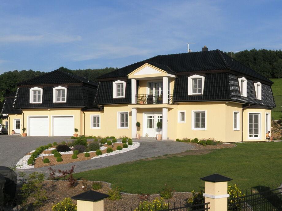 Maison Krüger im Sommer