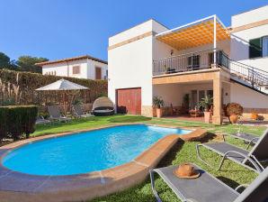Chalet Villa Son Veri Miramar