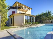 Villa Yo-Yo